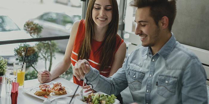 6 consejos para cenar barato fuera de casa